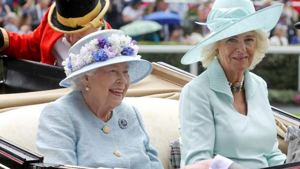 Елизавета II и Камилла Паркер-Боулз