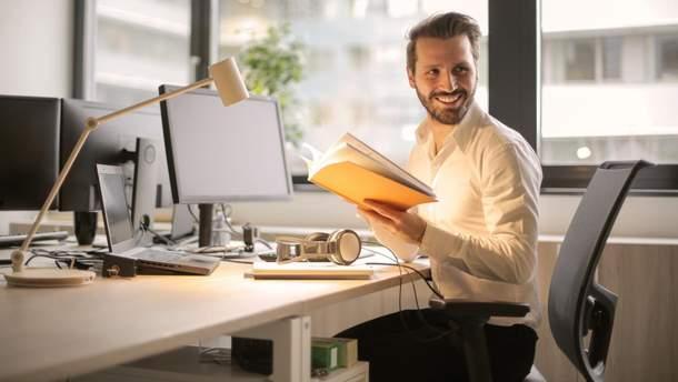 Сколько часов нужно работать, чтобы сохранить психику здоровой