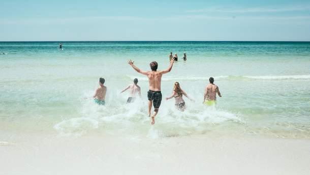 Обнаружили опасность купания в морях и океанах