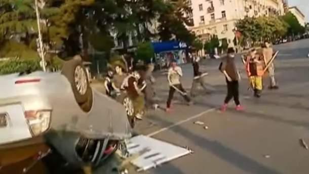 У Грузії спалахнули нові протести: поліція намагається заспокоювати мітингувальників
