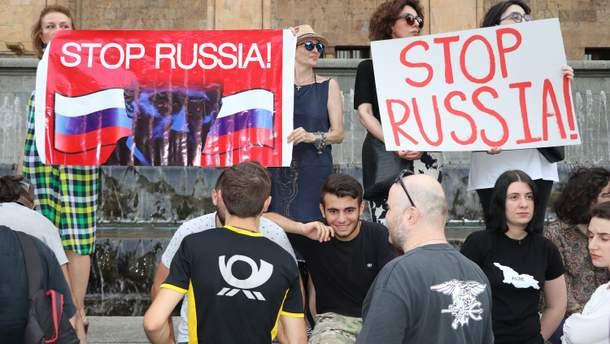"""Протесты могли быть """"проверкой"""" для грузин"""