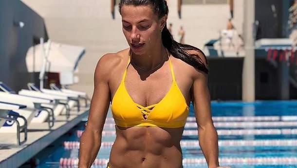 Українська легкоатлетка знялася у рекламі купальників: пікантні фото