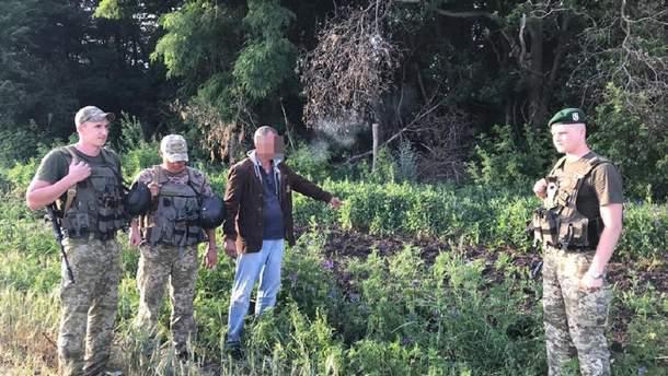 Пограничники поймали россиянина на территории ООС