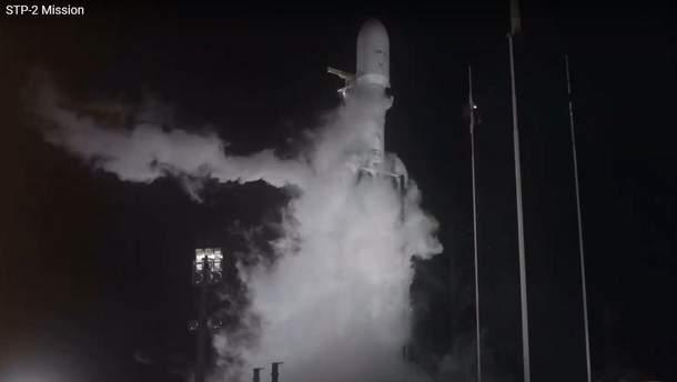 SpaceX Илона Маска запустила Falcon Heavy с остатками 152 человек