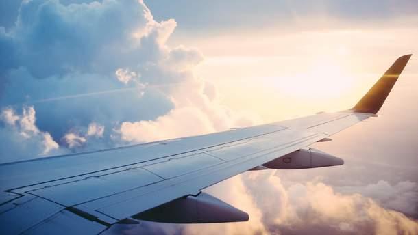 Літати дешево? Як наживаються лоукости