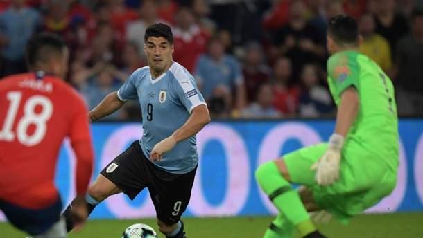 Луис Суарес требовал пенальти за игру рукой вратаря в штрафной: курьезное видео