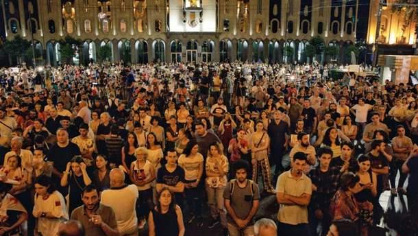 В Грузии люди снова вышли на антироссийские протесты