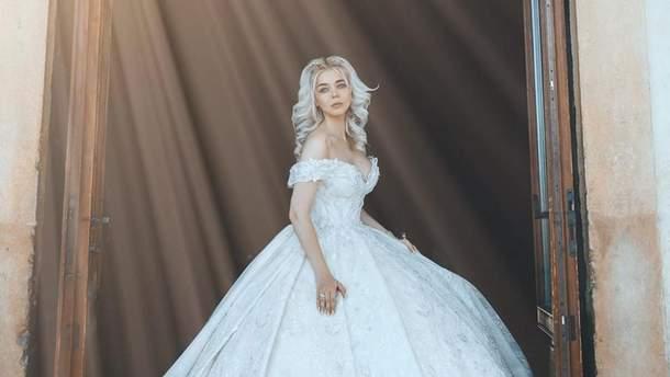 Аліна Гросу змінила 4 сукні в день свого весілля: неймовірні деталі і фото