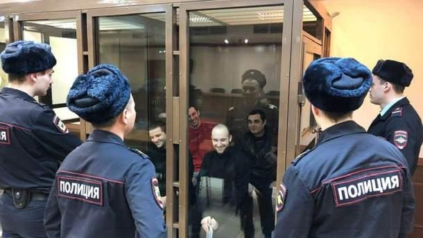 Українські моряки у полоні