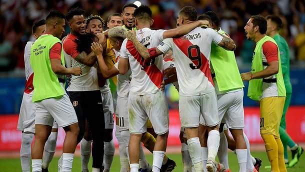 Арбітр не зарахував три голи Уругваю, який у підсумку програв Перу на Копа Америка