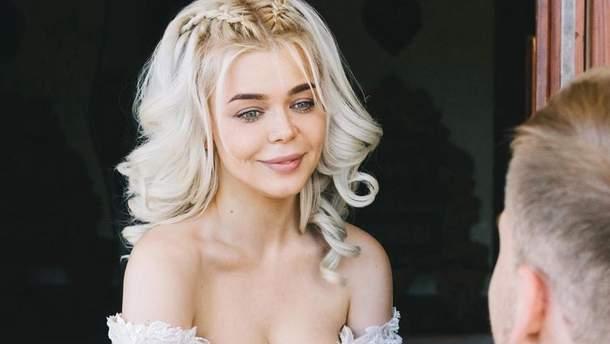 """Весілля Аліни Гросу: співачка презентувала пісню """"Непобедима"""""""