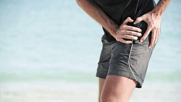 Болит бедро: врач назвал основные причины