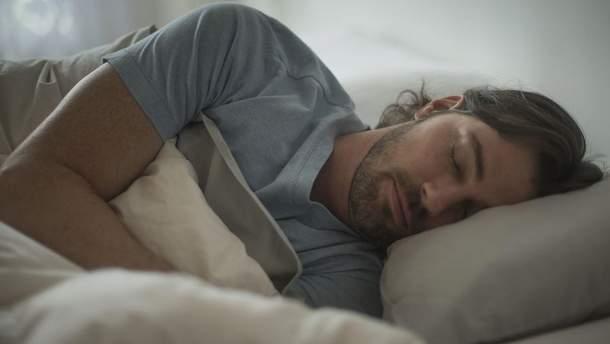 До пяти раз: из-за чего у мужчин возникают ночные эрекции