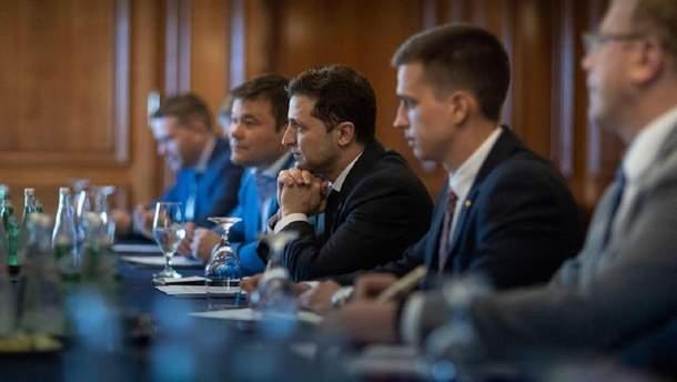 Зеленский поблагодарил канадских парламентариев за поддержку Украины
