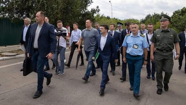 Зеленський зустрівся з митниками Західної України
