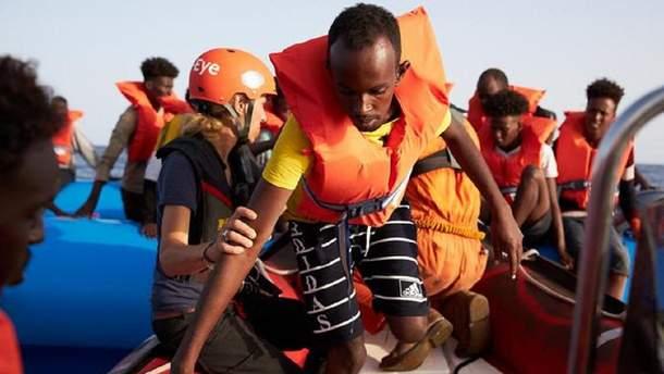Мігранти зійдуть на корабель Мальти, а потім їх доправлять на берег