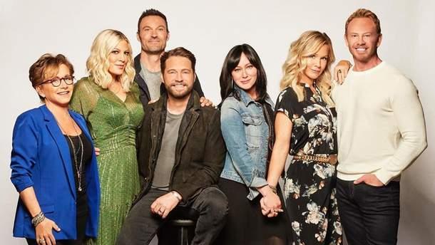 """Возвращение """"Беверли Хиллз, 90210"""": в cети появились фото со съемок сериала"""