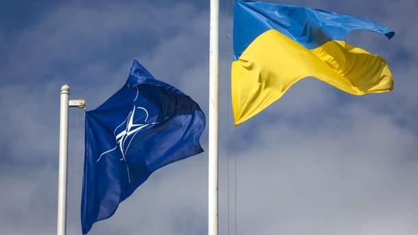 Совет НАТО перенес визит в Украину на осень