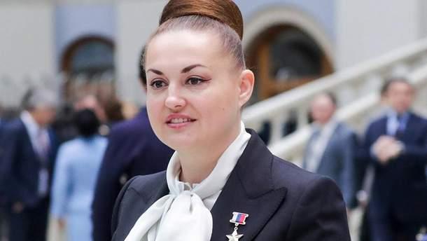 Депутатка РФ Олена Сєрова зганьбилася заявою про війну на Донбасі