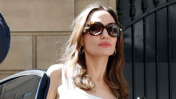 Анджелина Джоли в Париже