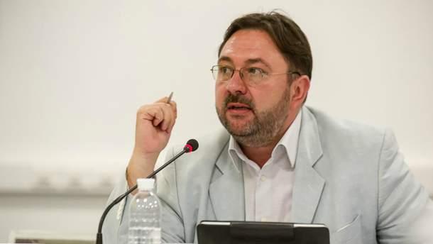 Потураев предлагает переименовать Россию и русский язык в Украине
