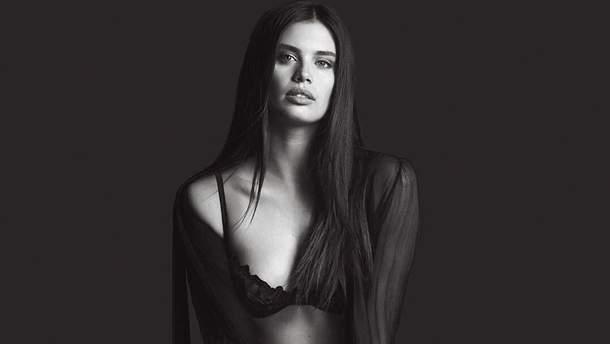 Сара Сампайо у новій рекламі Victoria's Secret