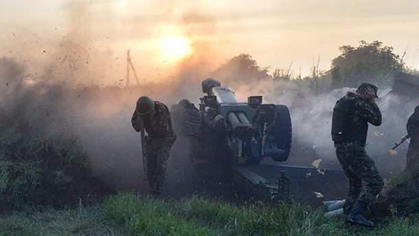 Бойовики стріляють на Донбасі з забороненого мінськими угодами озброєння