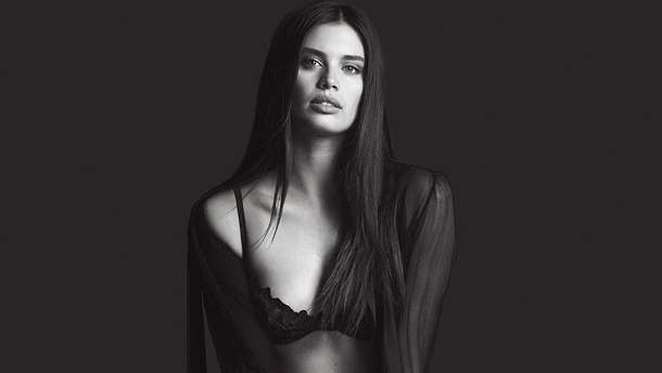 Сара Сампайо в новой рекламе Victoria's Secret