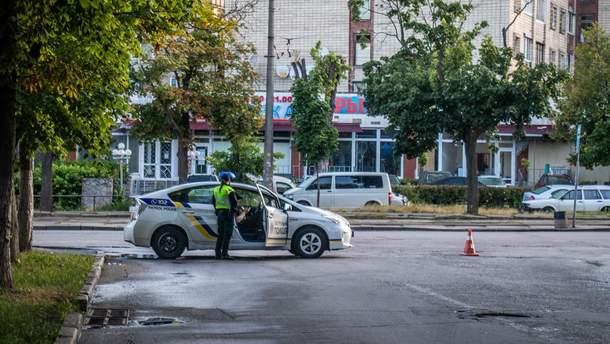 """Невідомі обстріляли будівлю телеканалу """"112 Україна"""""""