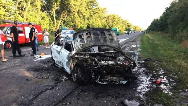 Авто загорілося внаслідок смертельної ДТП на Полтавщині