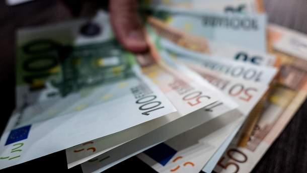 Наличный курс валют - курс доллара и евро на 17 июля 2019