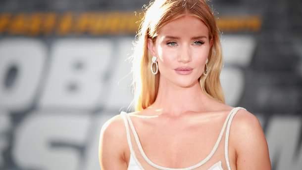 Уличная мода 2019: стильные образы на каждый день от модели Рози Хантингтон-Уайтли