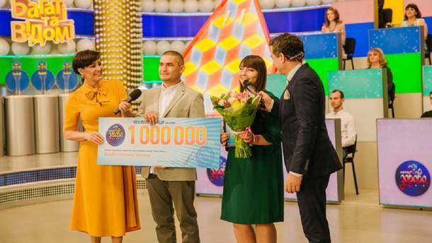 """Вера в победу помогла женщине из Запорожья выиграть миллион гривен в """"Лото-Забава"""""""