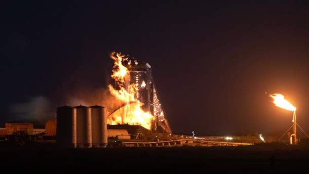 Прототип корабля SpaceX загорелся