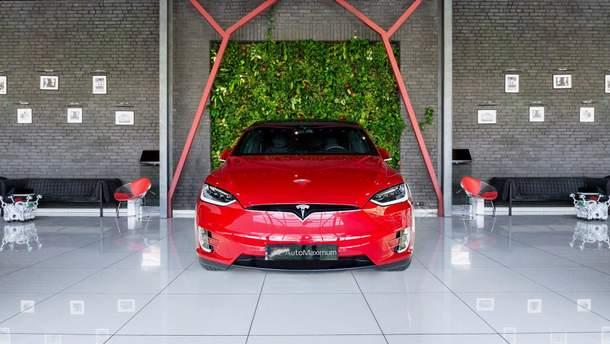 Сервисный центр Tesla заработал в Польше
