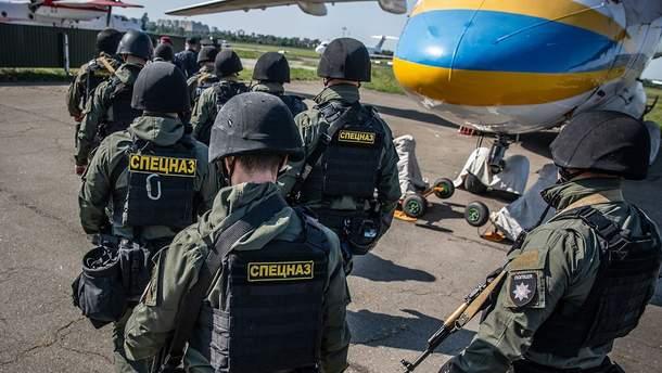 Накануне выборов в разные уголки Украины передислоцировали спецназовцев