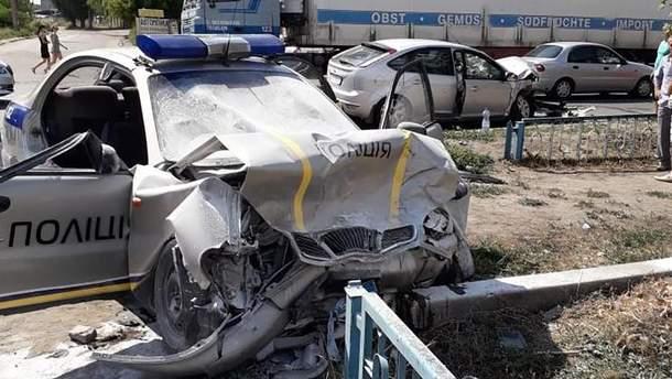 На Харківщині поліцейське авто потрапило у ДТП