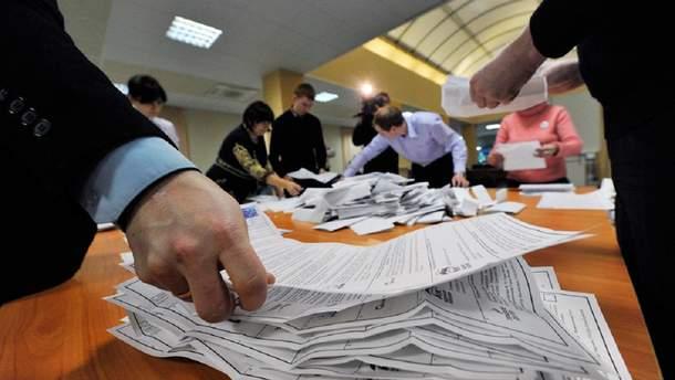 На парламентских выборах зафиксировали первую попытку фальсификации