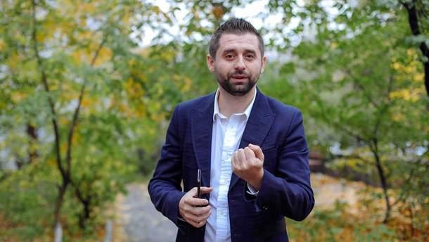 """Арахамія розповів, що """"Слуга народу"""" розглядає 3-4 кандидатури на посаду прем'єра"""