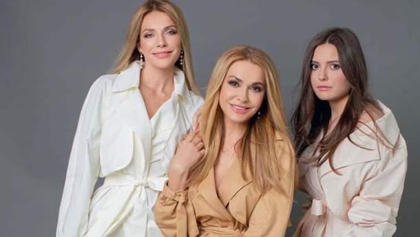 Три грації: Ольга Сумська з доньками прикрасила обкладинку глянцю (фото)