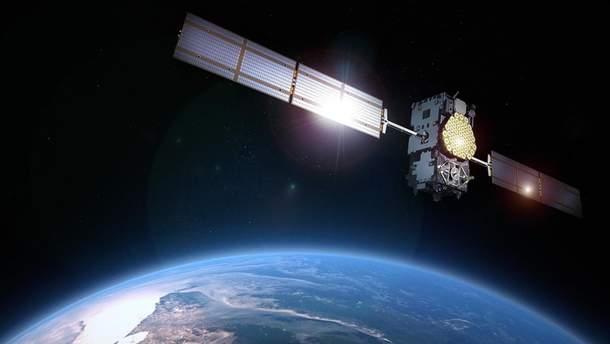 Американцы вывели на орбиту самый большой спутник в истории
