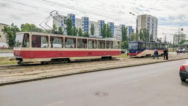 В Днепре во время движения загорелся трамвай