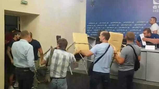 """Конфликт на пресс-конференции в """"Укринформе"""""""