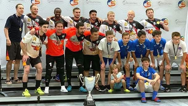 Футбольная команда Tryzub украинской диаспоры в Чикаго победила на международном турнире