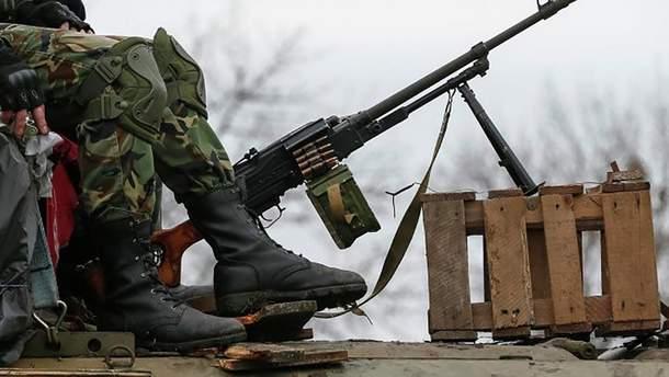 Боевики ночью перебрасывают боевые машины к линии соприкосновения
