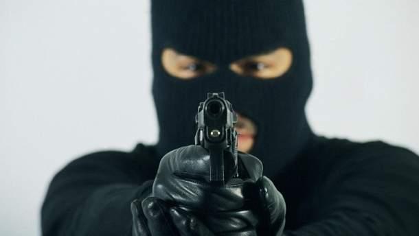Озброєні чоловіки увірвалися у запорізьке відділення пошти