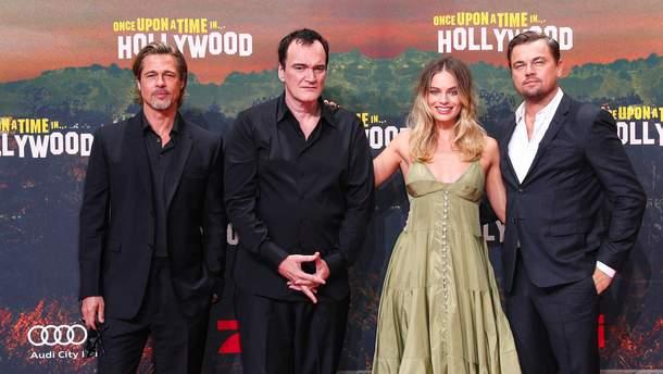 """Марго Робби, Ди Каприо, Тарантино и Брэд Питт на премьере фильма """"Однажды в Голливуде"""" в Берлине"""