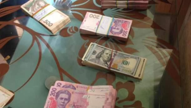 Изъятые у чиновников деньги