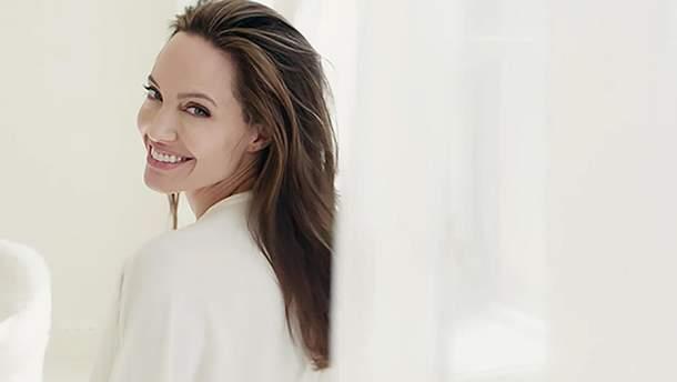 Анджелина Джоли в рекламе Guerlain