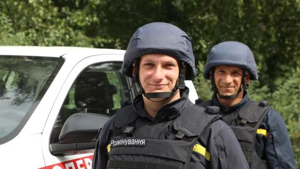 Українські надзвичайники отримали техніку для розмінування від США